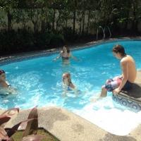 0222-Familie_in_het_Zwembad_002.jpg