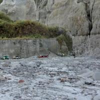 Mount_Pinatubo_2012_12_29_020.jpg