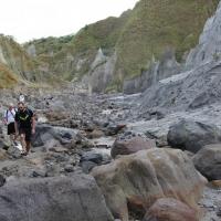 Mount_Pinatubo_2012_12_29_050.jpg