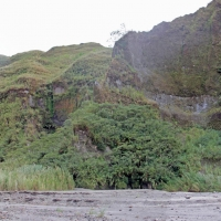 Mount_Pinatubo_2012_12_29_095-096-097.jpg