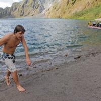 Mount_Pinatubo_2012_12_29_110.jpg