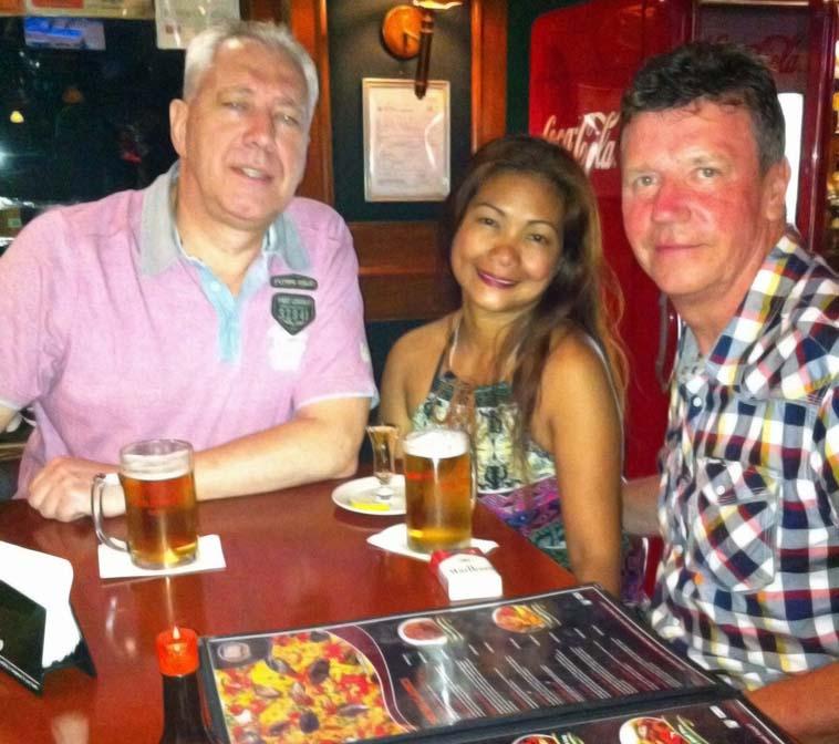 San_Mig_Pub_with_Karel_en_Gemma_2