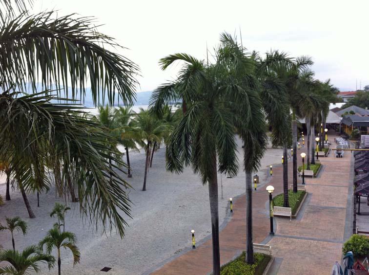Terrace_Hotel_01