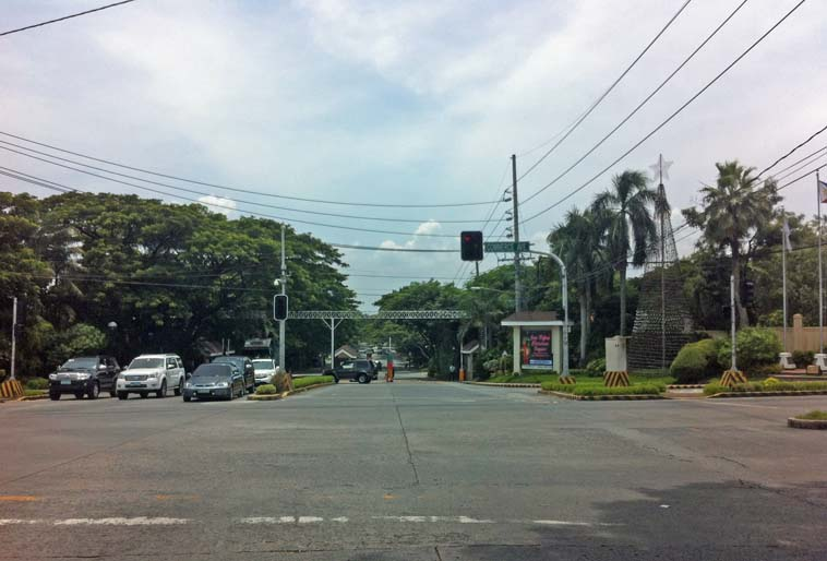 alabang_village_madrigal_gate