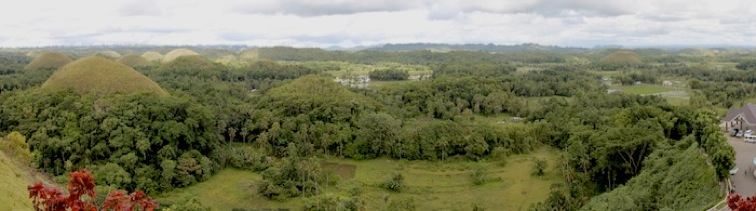 chocolate_hills_panorama_001a