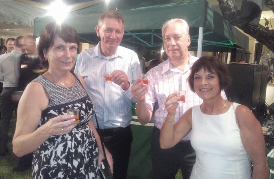 Koningsdag_NL-Ambassade_met_Astrid_en_Ronald_Spanjaards
